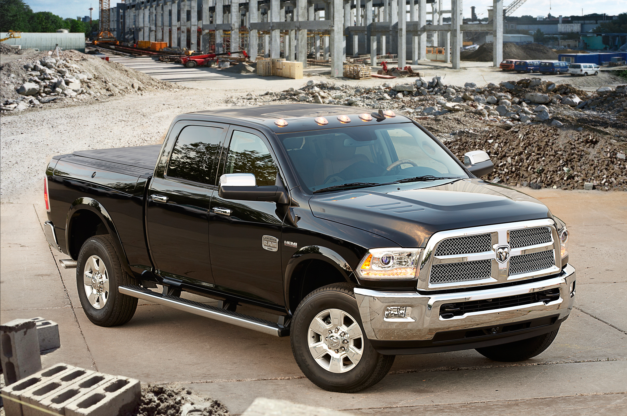 2014 Ram 2500 6 4l Hemi Takes On A Grueling Towing Test