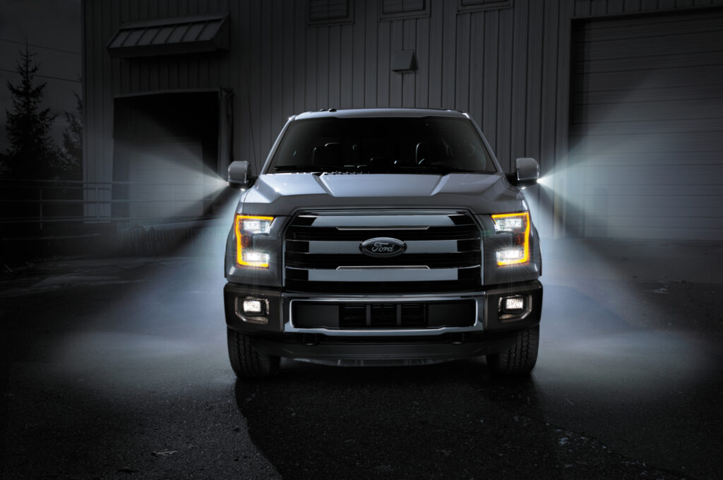 2015 Ford F-150 front end