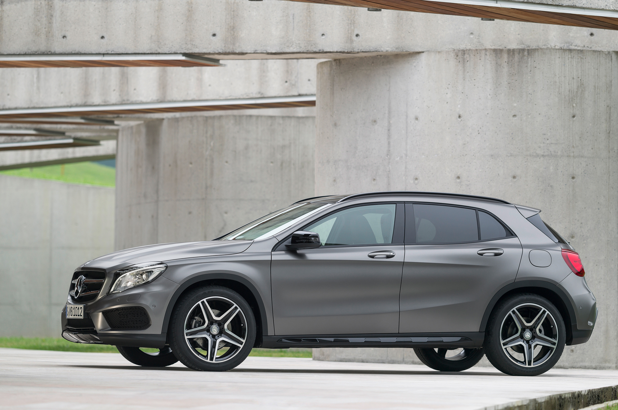 2015 mercedes benz gla 250 4matic design for Mercedes benz gla 250 4matic