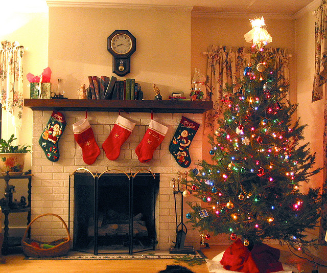 Fireplace with stockings and christmas tree