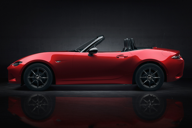 2016 red mazda mx-5 miata