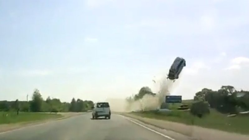 russian-dash-cam-flying-car