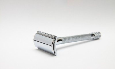 old fashioned metal razor