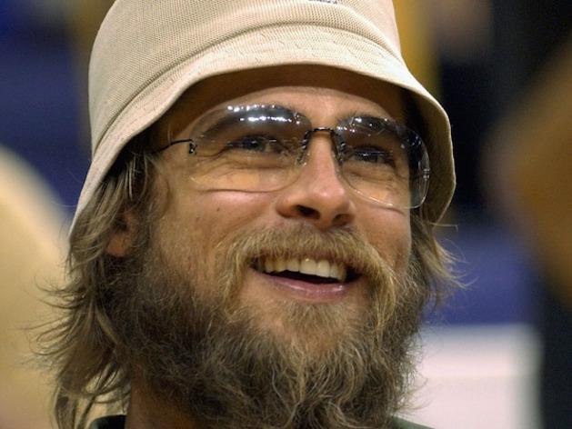 Brad Pitt ugly beard glasses and hat