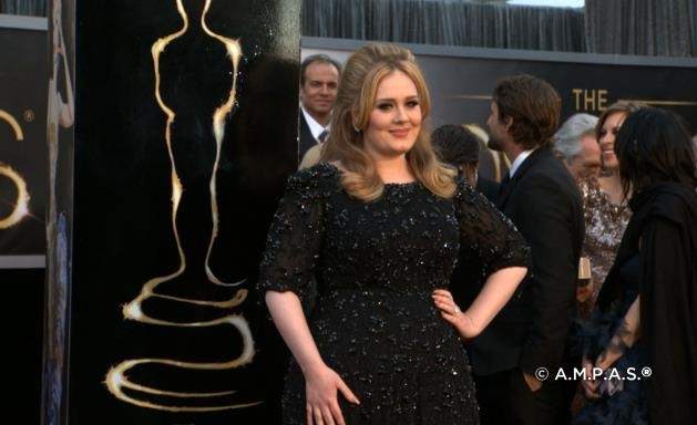 adele in black dress at academy awards