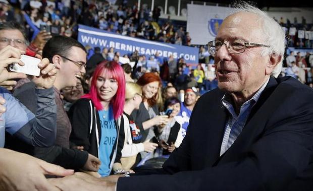 Bernie Sanders Endorses Clinton