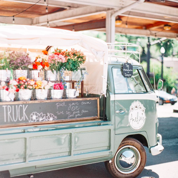 Food Truck Wedding Ideas: The Coolest Vendor And Food Trucks Across The Country