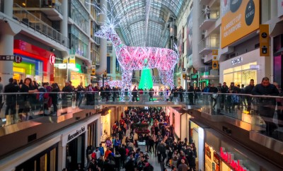 TORONTO - NOVEMBER 29: Shoppers visit the mall in Toronto, Canada on the Black Friday, November 29, 2013