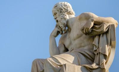 close-up-statue-of-the-philosopher-socrates