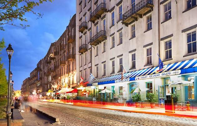 history-vacation-savannah-ga-river-street-01