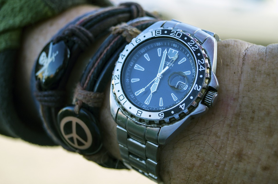 best mens watches under $200